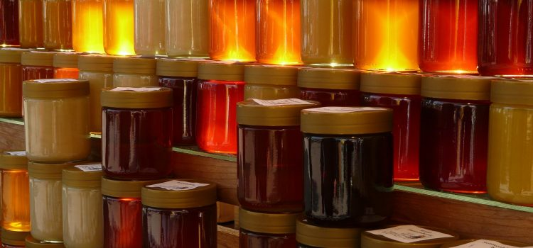 Woher kommt die Farbe des Honigs?